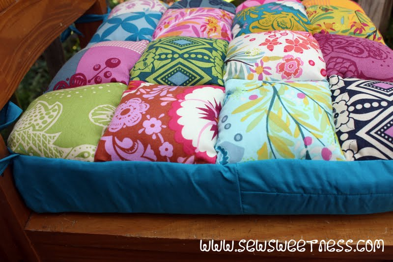 Tutorial Junk in the Trunk Chair Cushions Sew Sweetness : cushion8 from sewsweetness.com size 800 x 533 jpeg 78kB