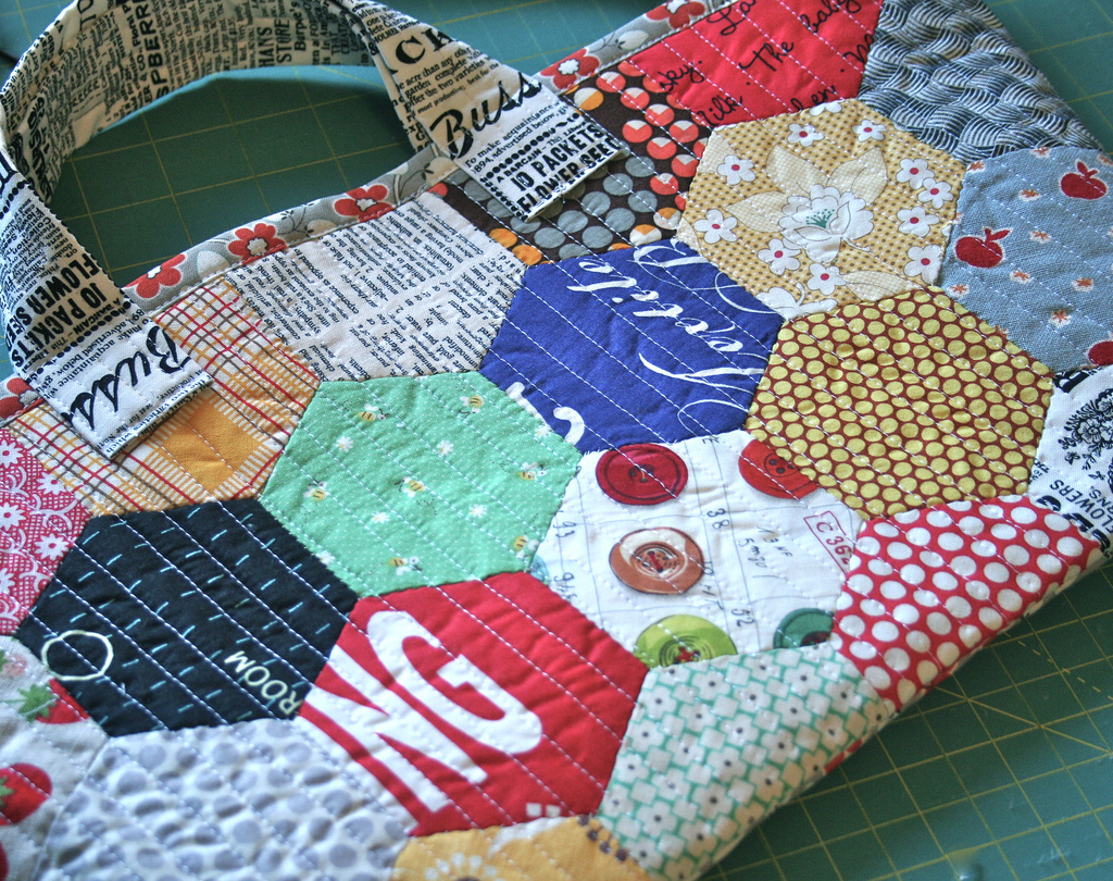Quilting Purse Patterns Free : Purse Palooza :: Pattern Review: Natural Patchwork Hexagon Bag - Sew Sweetness