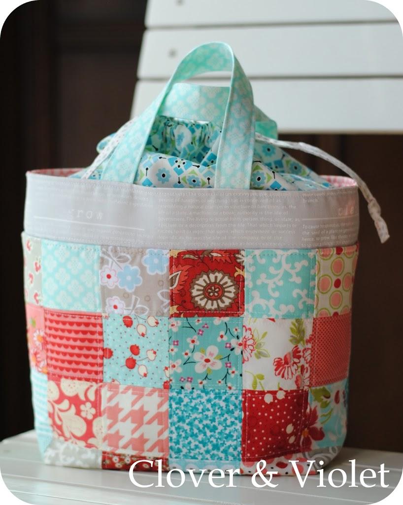 Purse Palooza :: Pattern Review: Pink Penguin Lunch Bag - Sew Sweetness