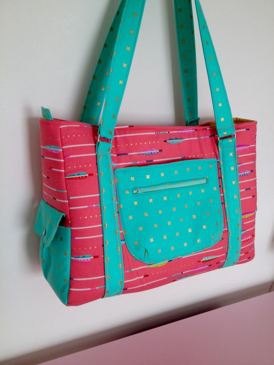 Sew Sweetness Sloan Travel Bag in Cotton + Steel fabric by Cyndi of The Nosy Pepper