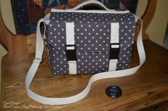 Sew Sweetness Ansel Camera Bag by Gwen