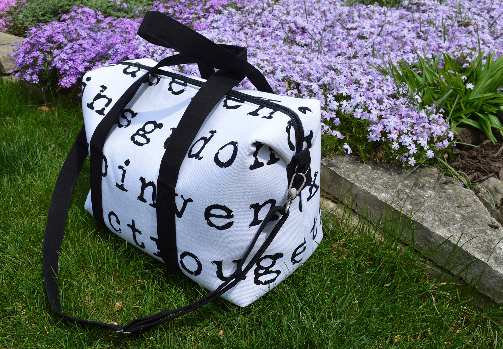 Sew Sweetness Emblem Duffle Bag, sewn by Sharon of Color Girl Quilts