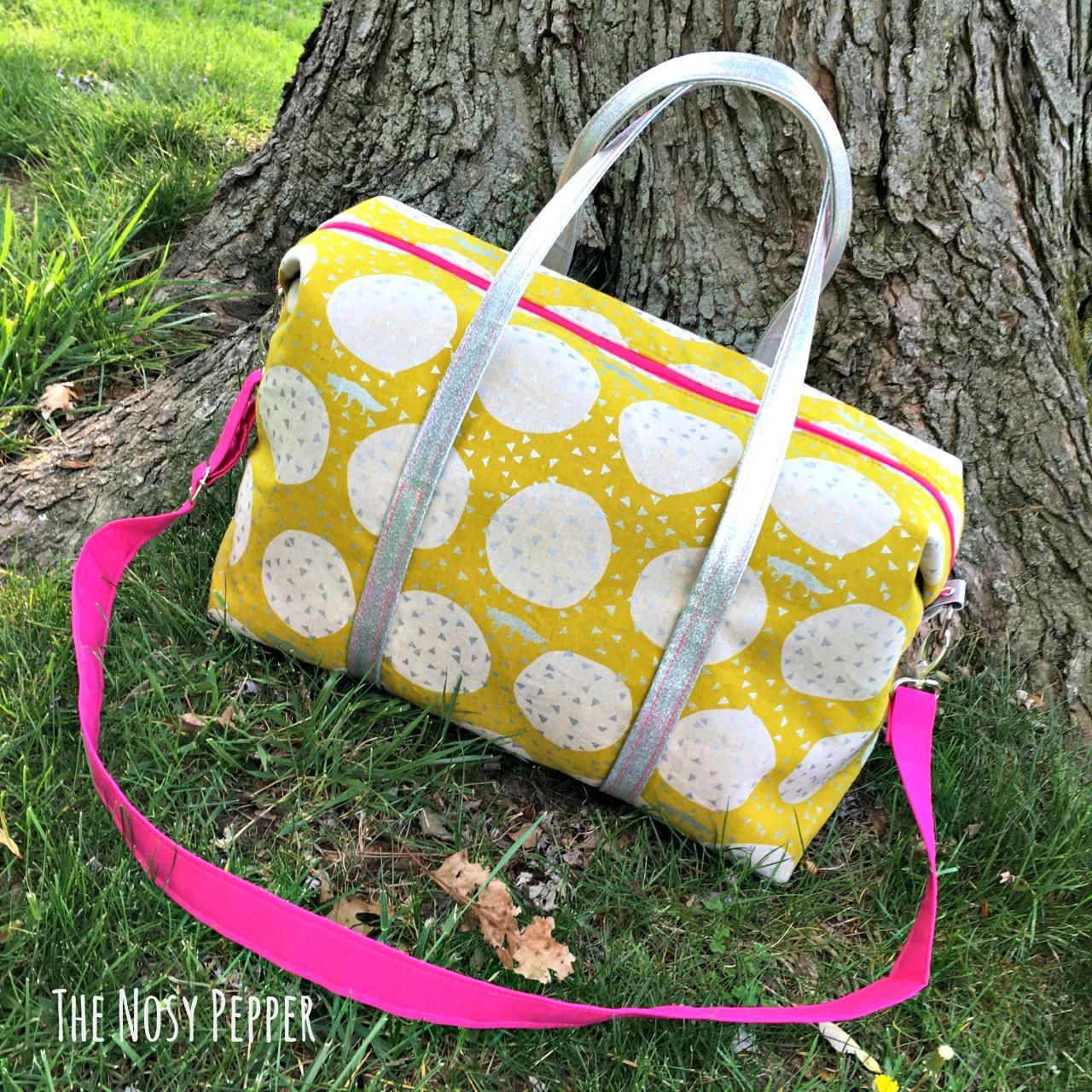 Sew Sweetness Emblem Duffle Bag, sewn by Cyndi of the Nosy Pepper