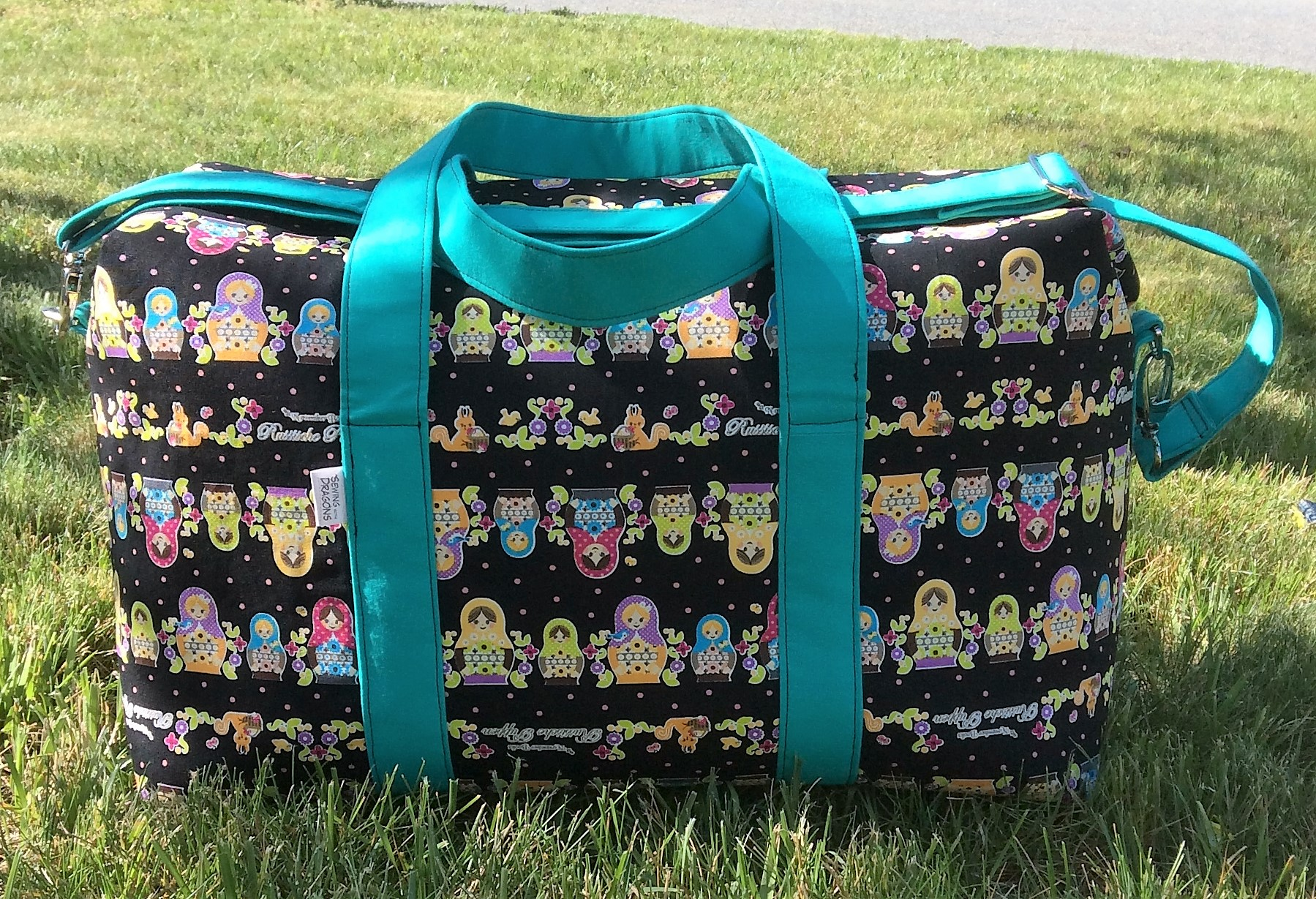 Sew Sweetness Emblem Duffle Bag, sewn by Snow of Sewing with Dragons