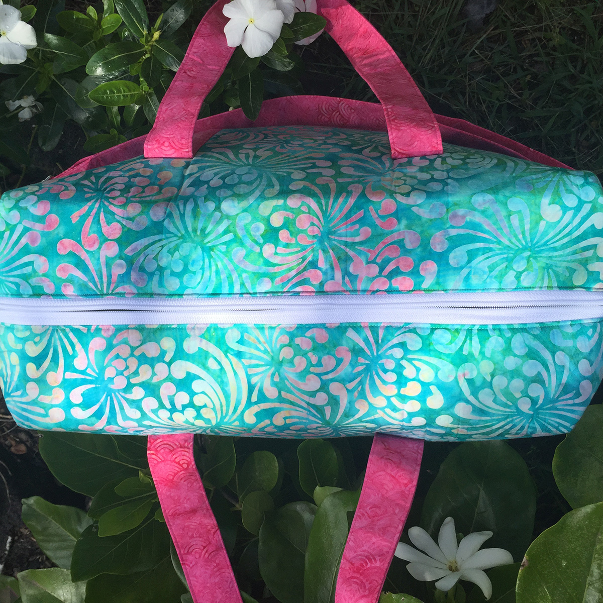 Sew Sweetness Emblem Duffle Bag, sewn by Maire