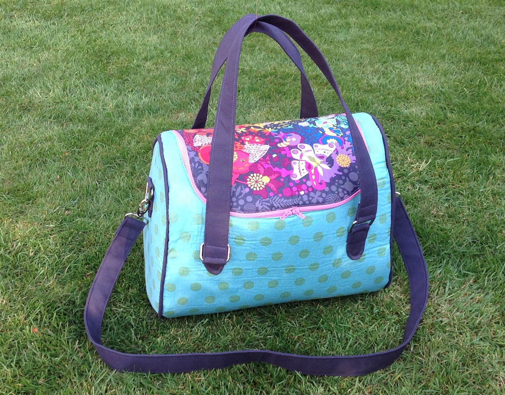 Sew Sweetness Tortoise Bag sewing pattern, sewn by Lisa