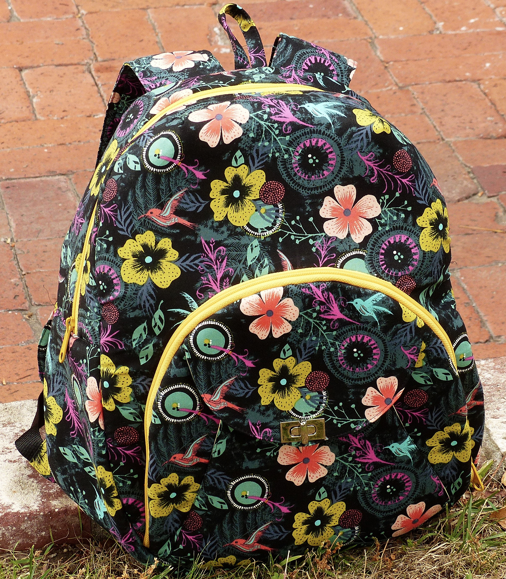 Sew Sweetness Cumberland Backpack, sewn by Leah
