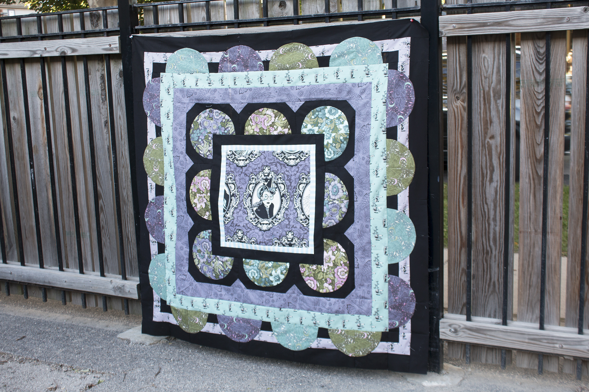 Peacock Alley quilt, made by Sew Sweetness in Tula Pink Nightshade fabrics