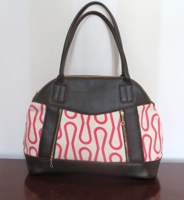 Sew Sweetness Sublime Bag sewing pattern, sewn by Cindy of Raspberry Sunshine
