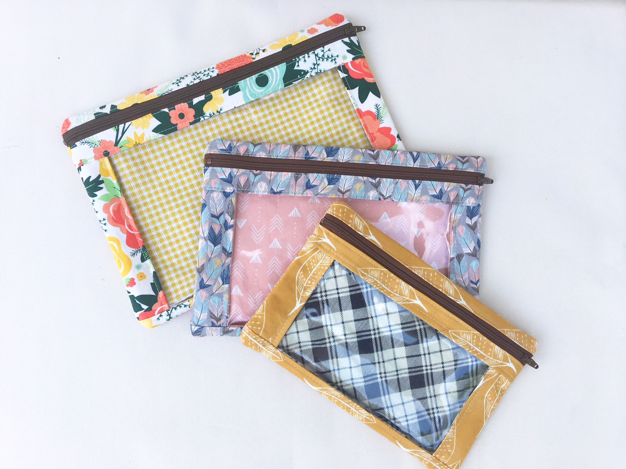 Sew Sweetness Minikins I-Spy Pouches sewing pattern, sewn by Andrea