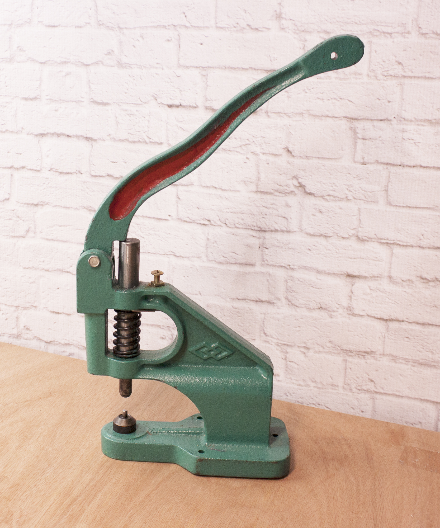Sew Sweetness Video: How to Use a Rivet Press